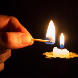Kerze im Dom